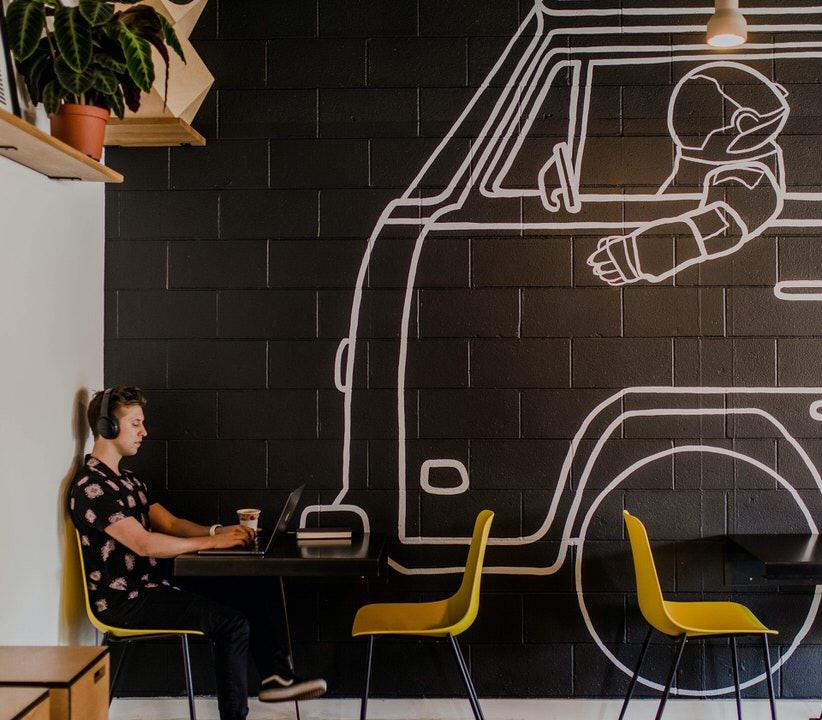 shun's article picture - car & man