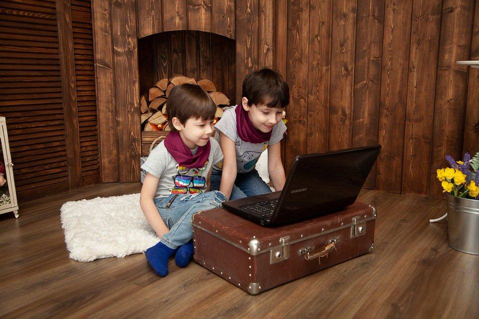 shun's article picture - kids enjoy pc