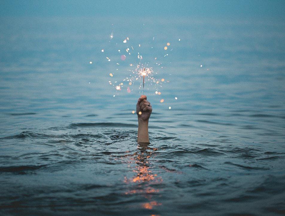 shun's article picture -  spark in the sea