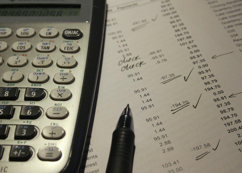 shun's article picture - data & pencil