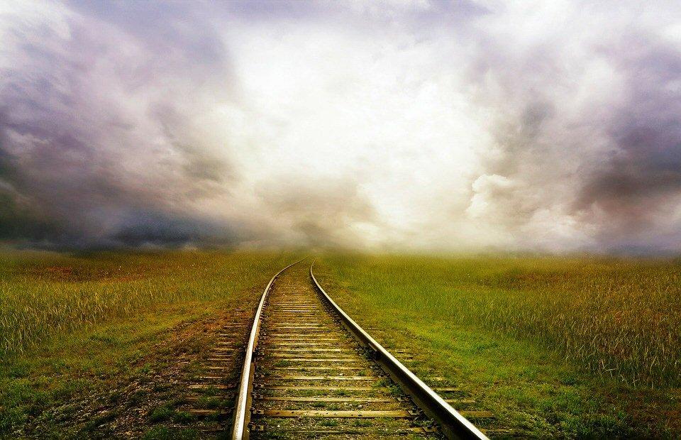 shun's article picture - railroad