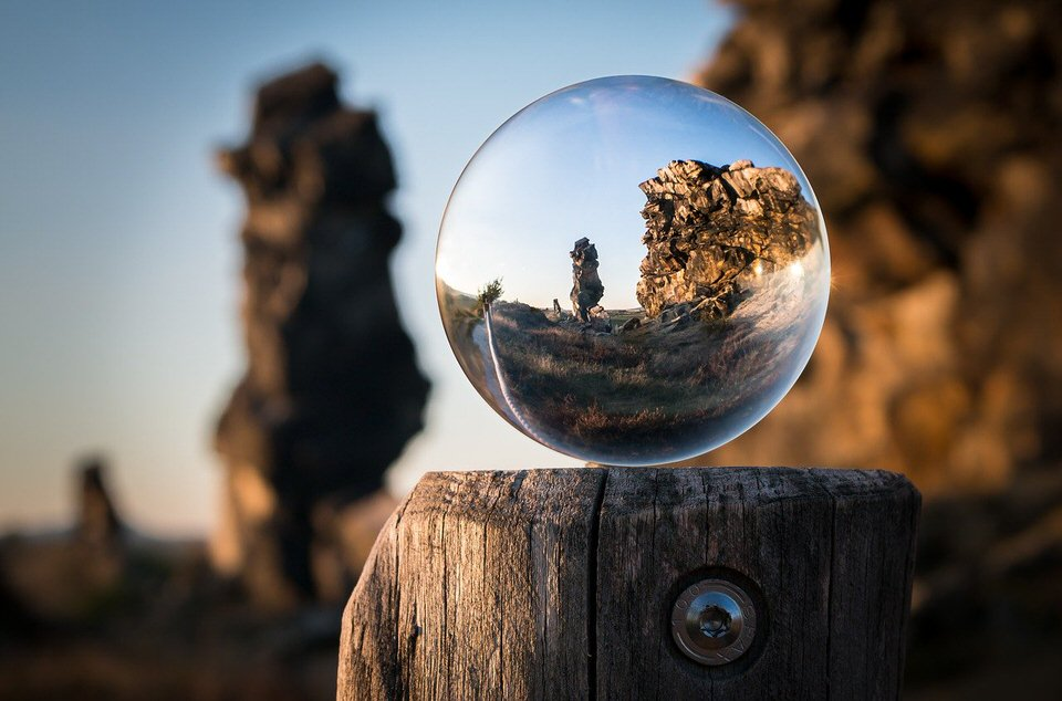 shun's article picture - focus glass rock