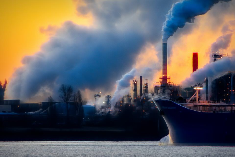 shun's article picture - black smoke