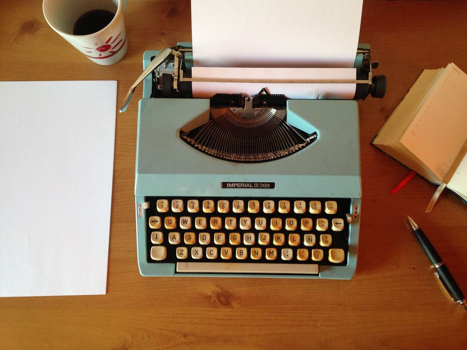 shun's article picture - type writer