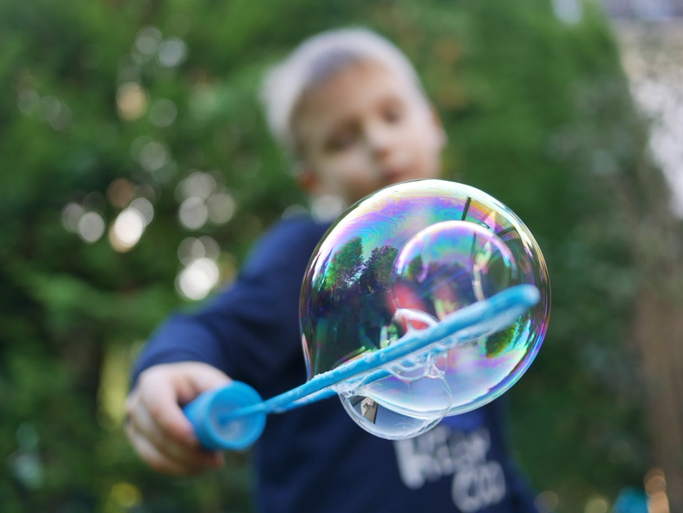 shun's article picture - SEO soap bubble child