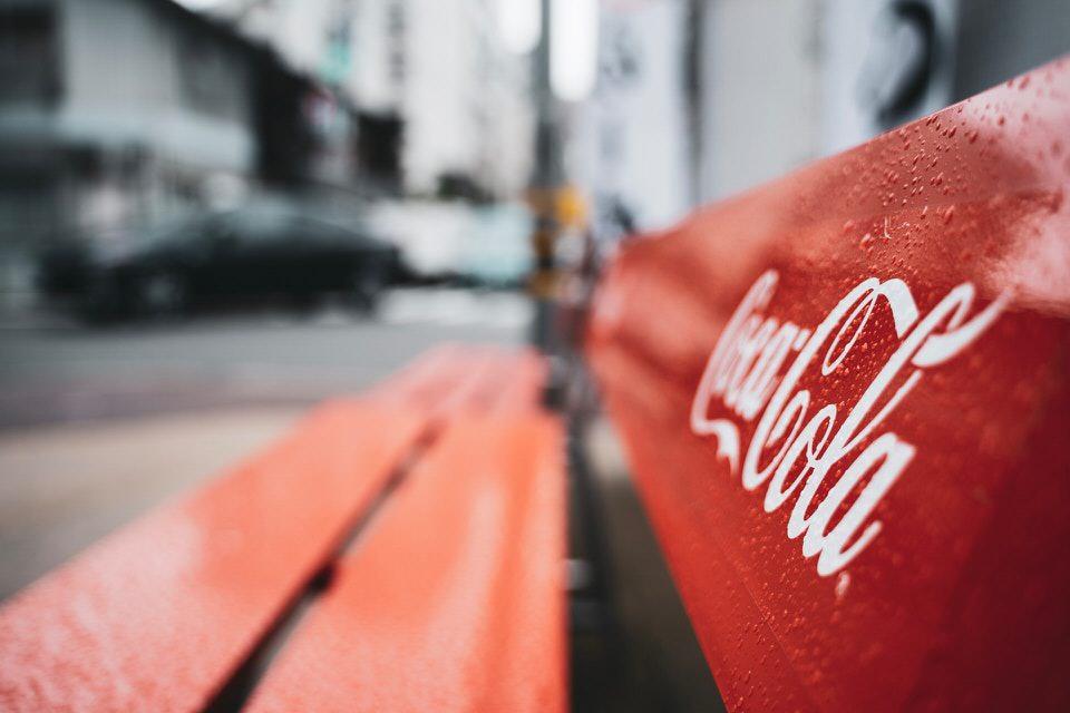 shun's article picture - coca cola bench