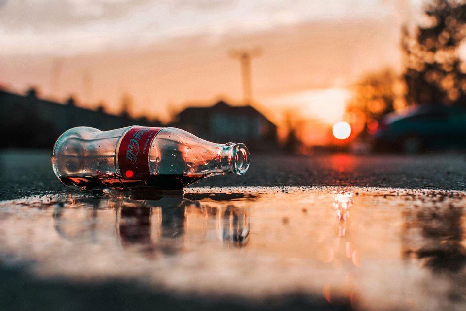 shun's article picture - coca cola bin roll
