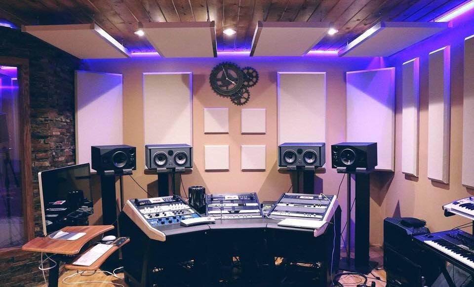 shun's article picture - recording room