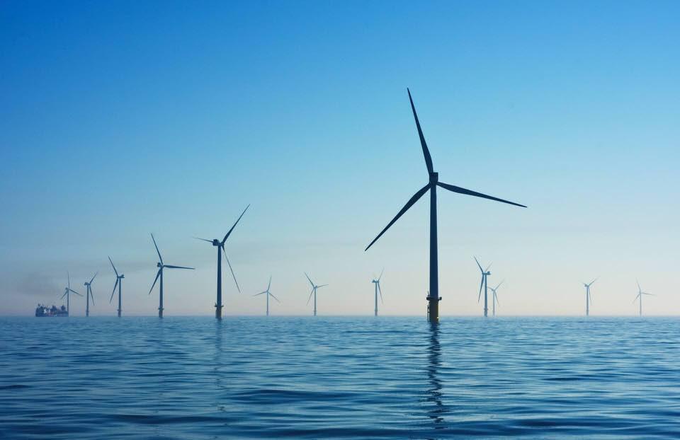 shun's article picture - wind power ocean