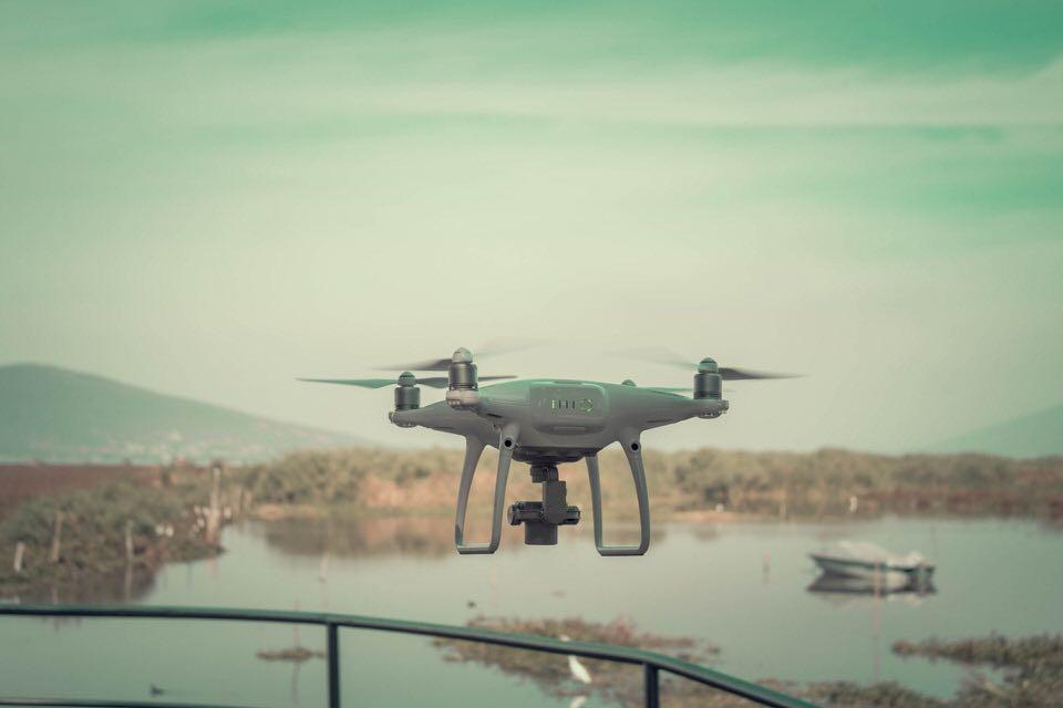 shun's article picture - pale drone