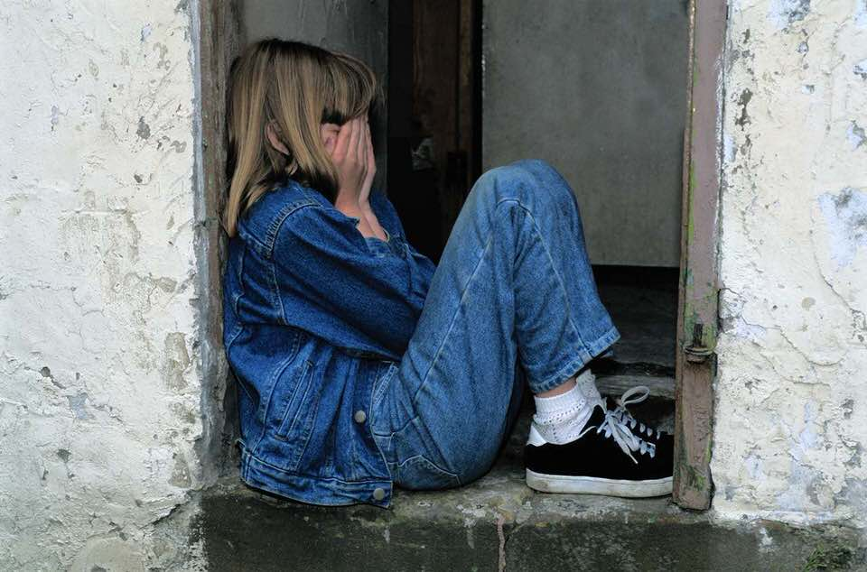 shun's article picture - sad girl