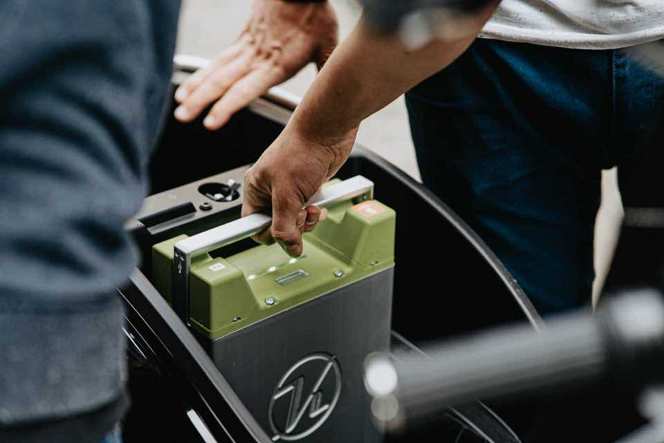 shun's article picture - cars battery