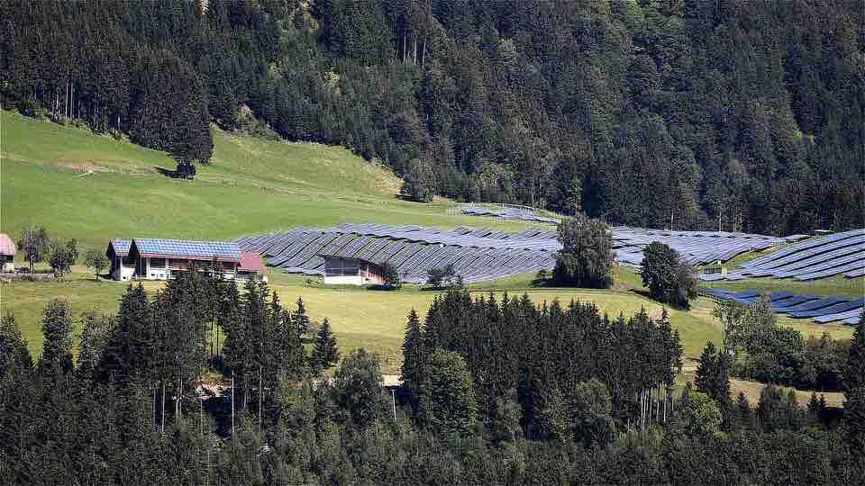 shun's article picture - solar power energy mountain