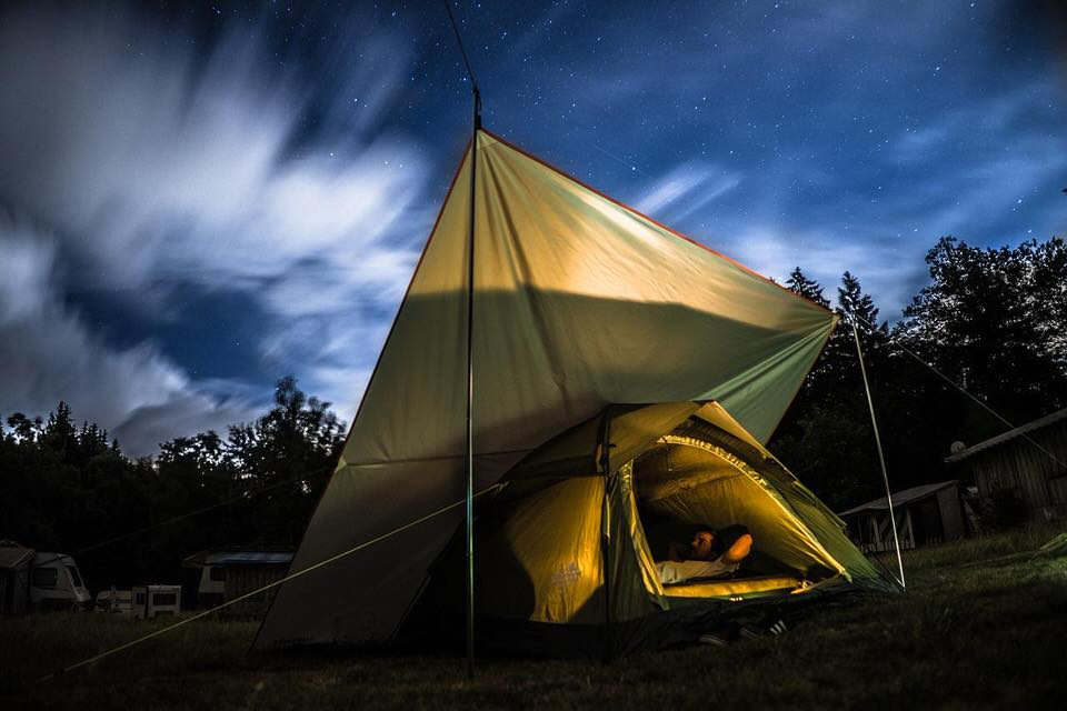 shun's article picture - camping evening