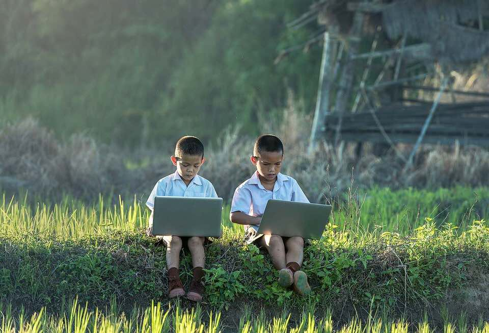 shun's article picture - children play online games