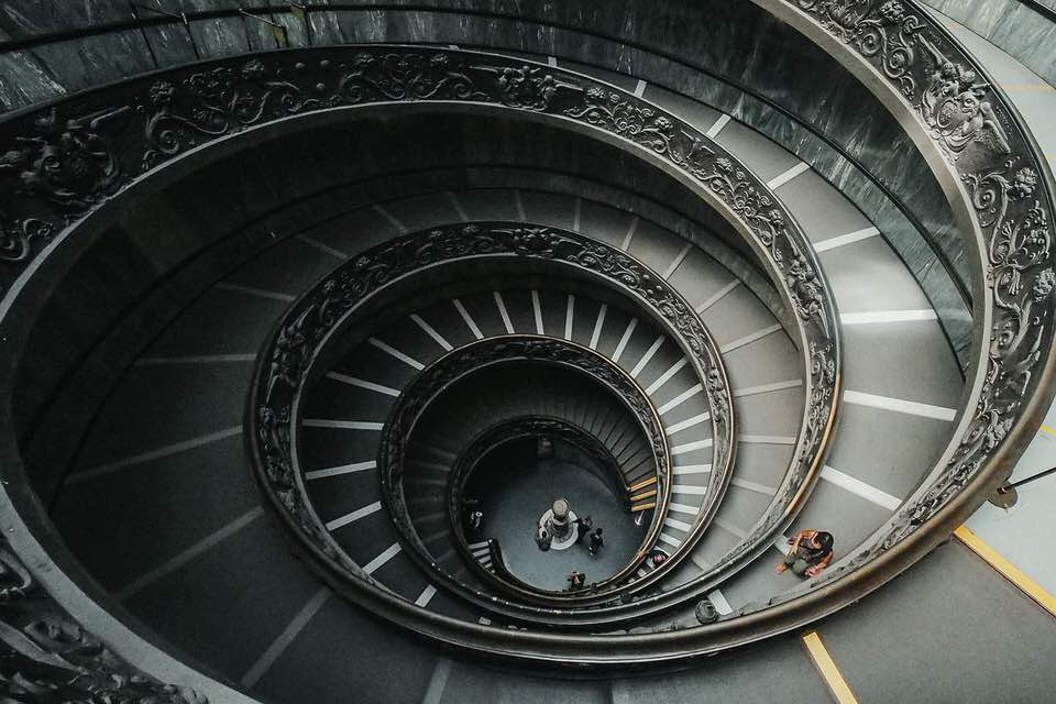 shun's article picture - spiral stairs