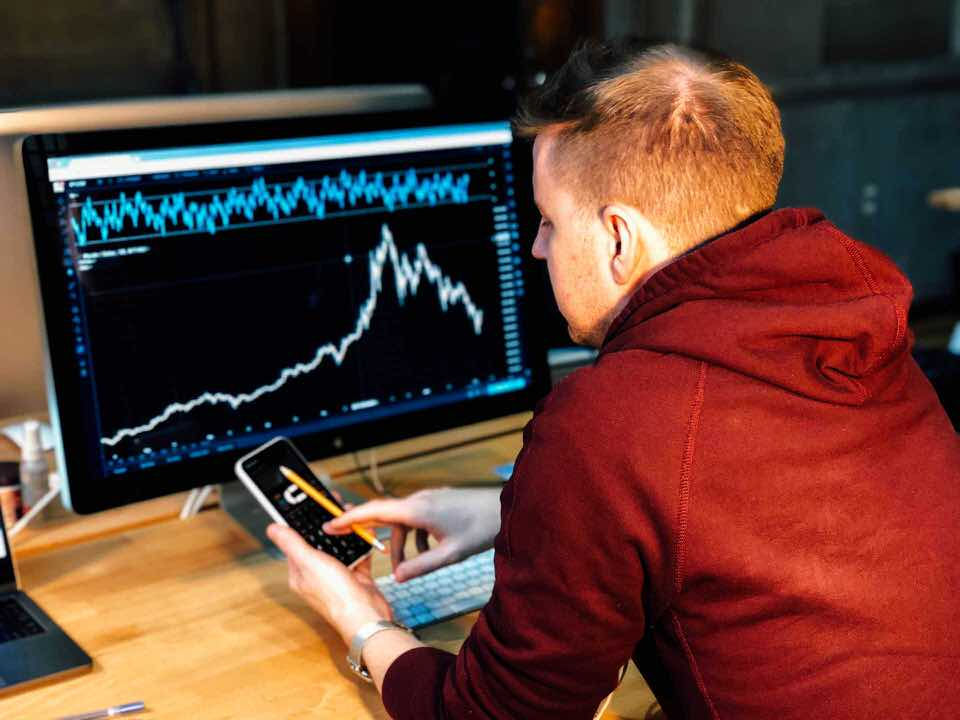 shun's article picture - stock price see investor
