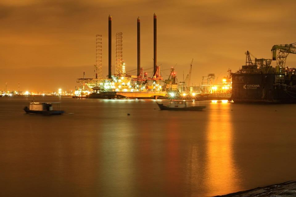 shun's article picture - oil field